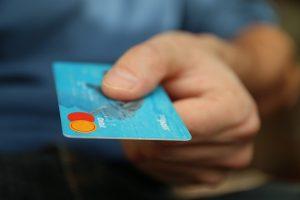 התנהלות עם כרטיס אשראי
